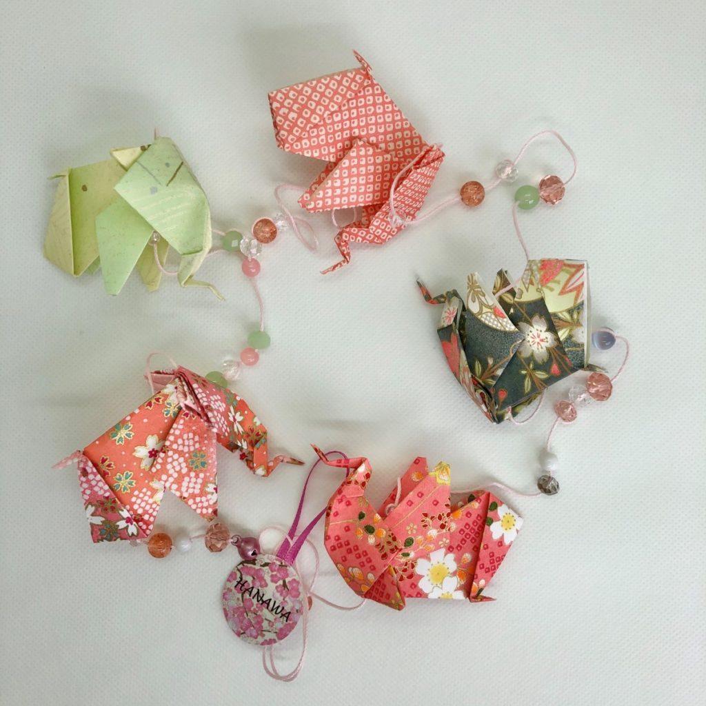 Guirlande d'origamis éléphants rose