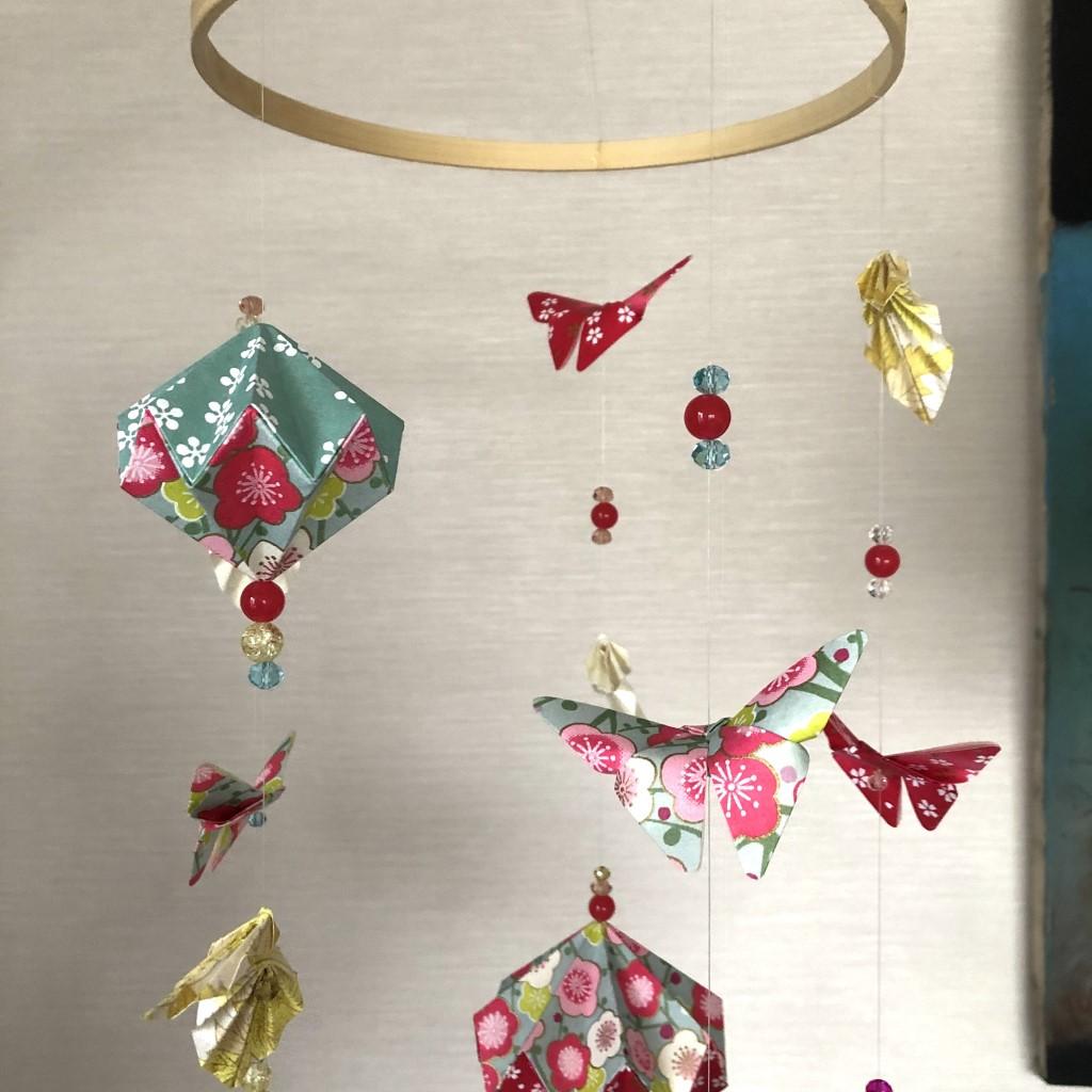 Suspension mobile origami fleuri