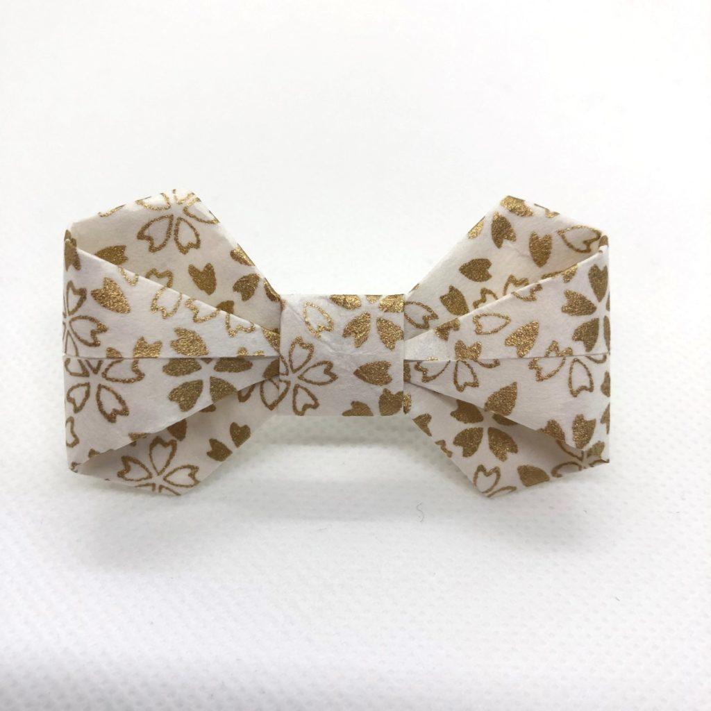 Barrette avec nœud en origami blanc & doré