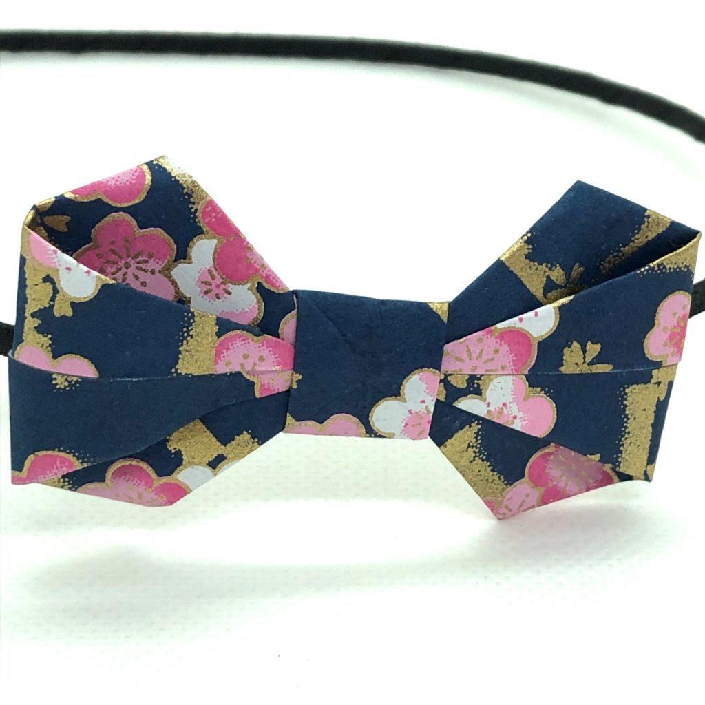Serre-tête avec nœud en origami bleu-marine