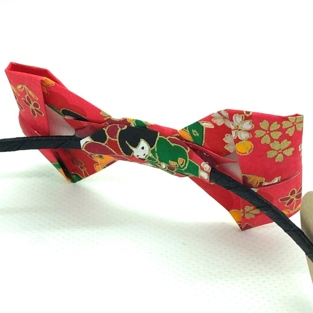Serre-tête avec nœud en origami rouge
