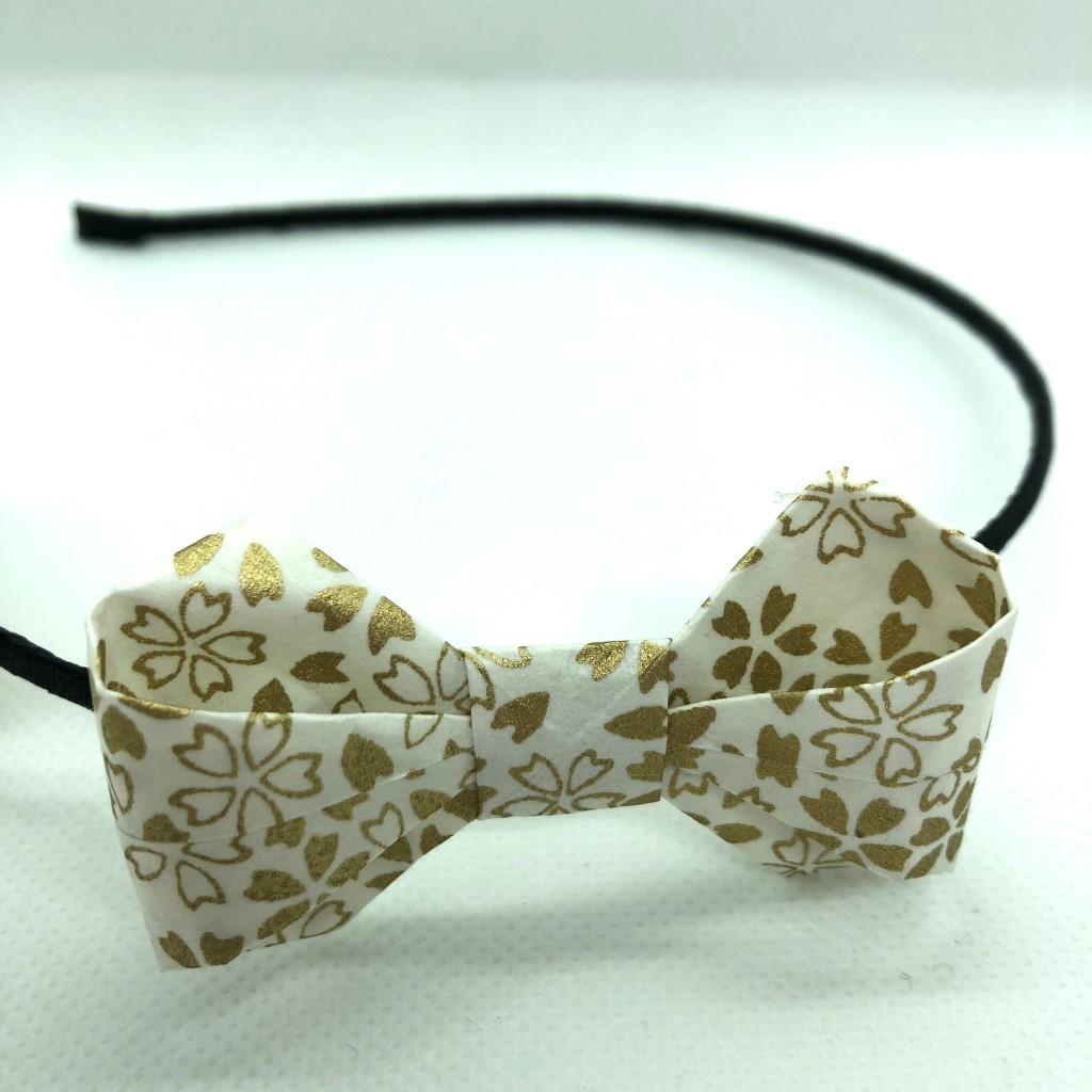 Serre-tête avec nœud en origami blanc & doré