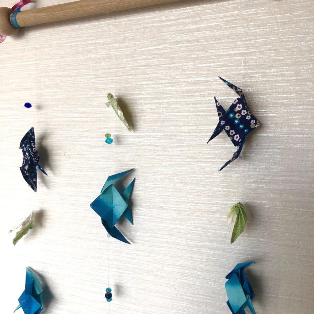 Suspension murale poissons – Tons bleus