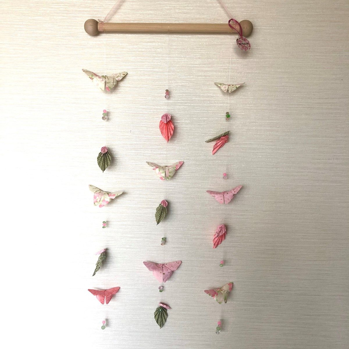 Suspension murale papillons rose