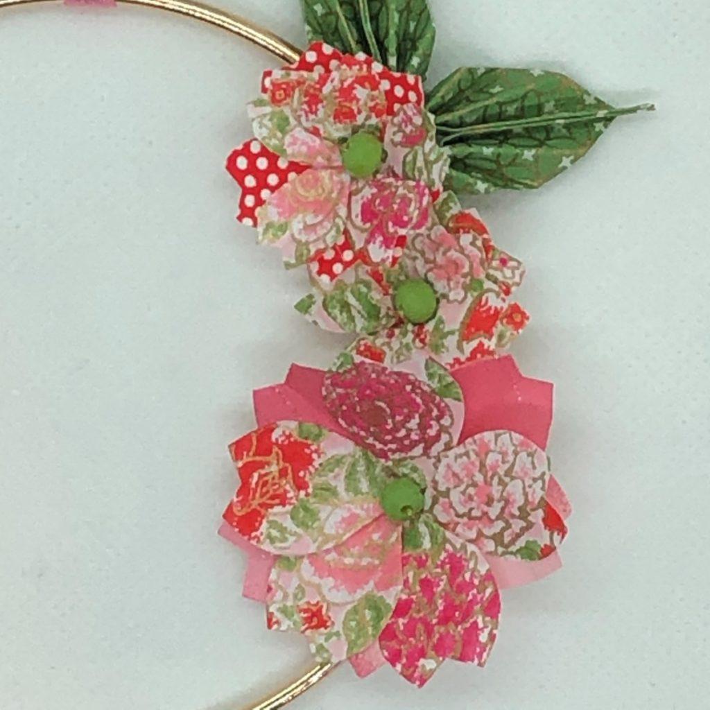 Couronne Izu avec fleurs en origami – Liberty rose
