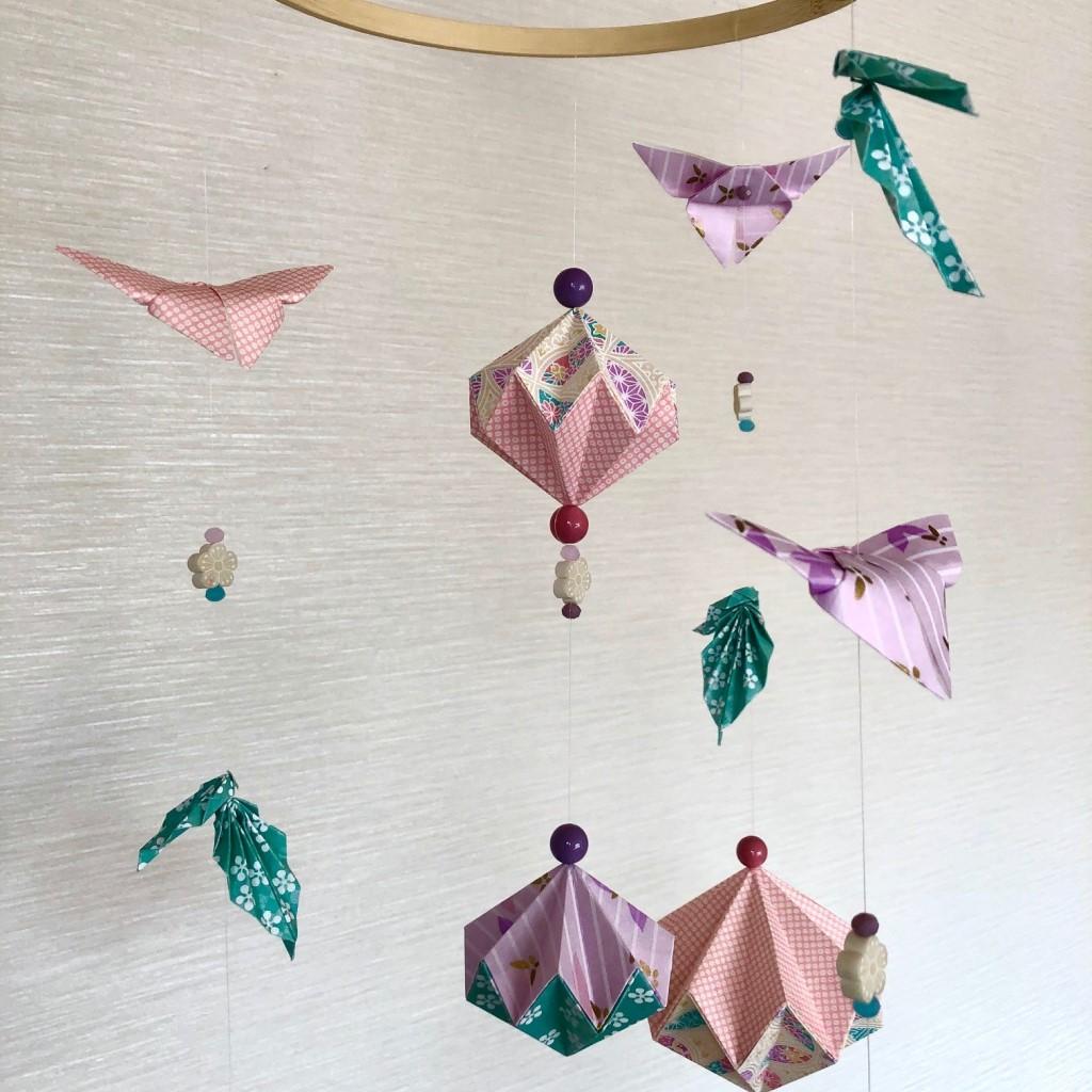 Suspension origami papillons rose poudré