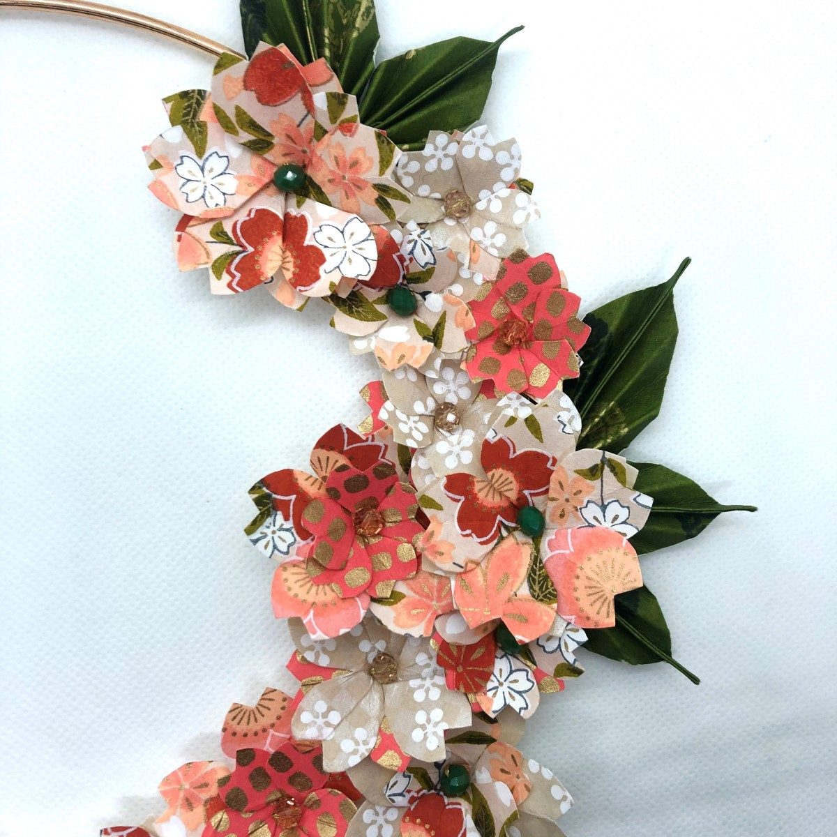 Couronne Kamakura avec fleurs en origami – Nude