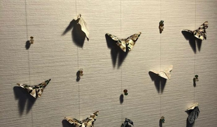 Suspensions en origami, objets de décoration et d'éveil