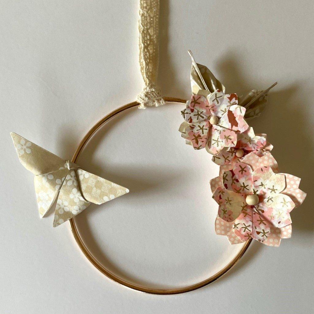 Couronne Izu avec fleurs en origami – Pastel