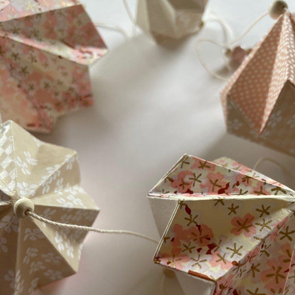 Guirlande d'origamis diamants – Pastel